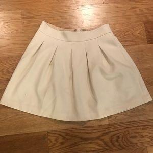 White Banana Republic wool skirt